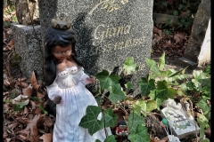 Grave with evil Snow White